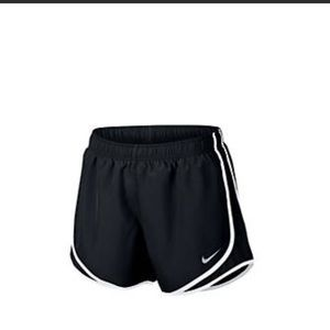 (5) Nike Tempo Running Shorts Size: Small
